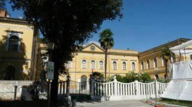 La biblioteca civica di piazza Gramsci