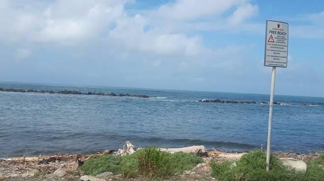 Spiaggia libera vicina a Casa Faci