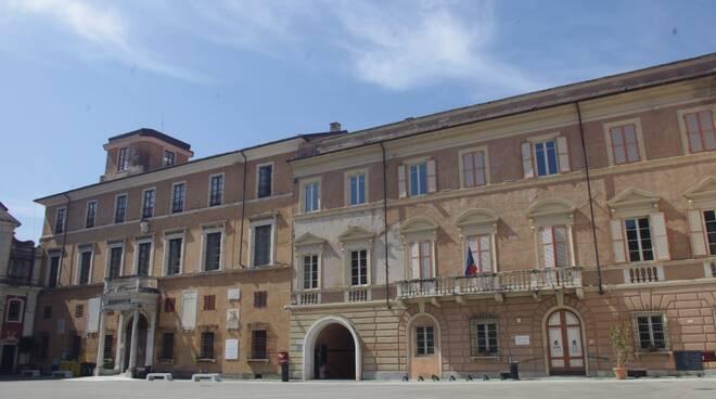 Biblioteca civica Giampaoli, piazza Mercurio - Massa