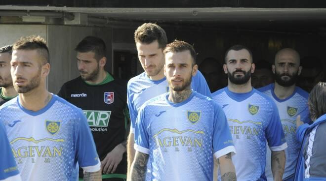 Carrarese-Gozzano (3-0): il fotoracconto
