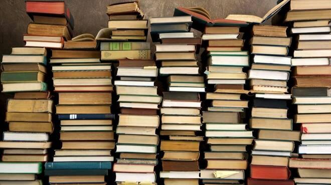 Circa 2mila volumi donati dai cittadini