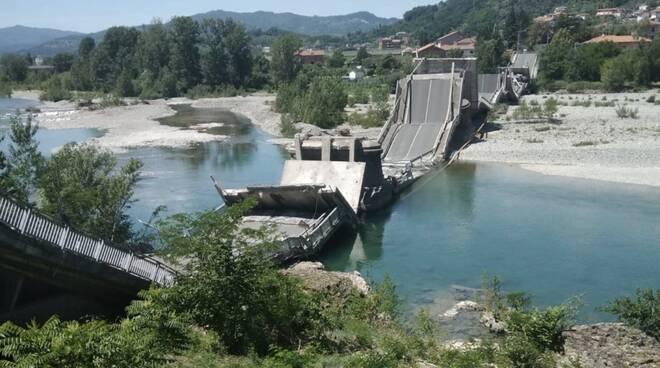 Il ponte di Albiano crollato