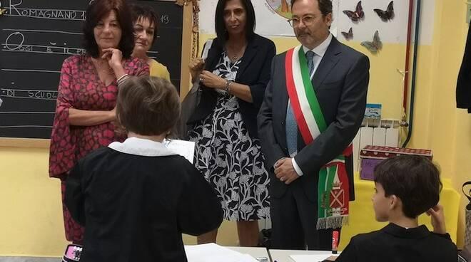 Il sindaco Persiani e l'assessore Nadia Marnica alla scuola di Romagnano