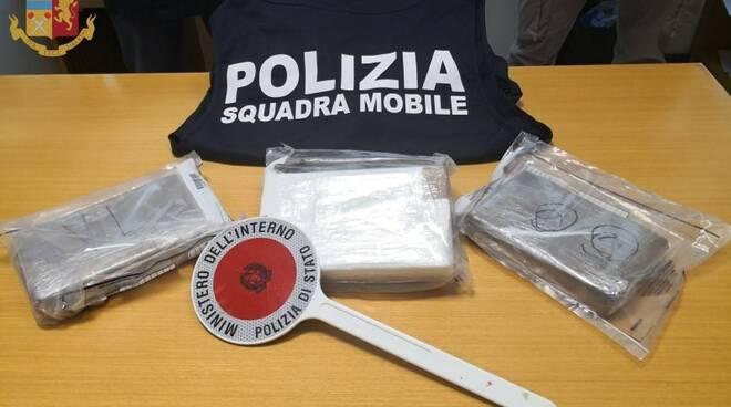La droga sequestrata dalla Squadra Mobile