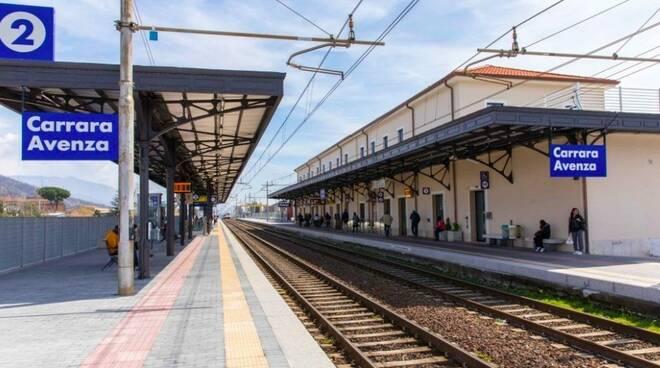 La stazione ferroviaria di Carrara-Avenza