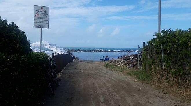 Spiaggia libera Ugo Pisa