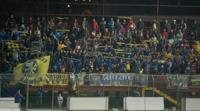 Tifosi Carrarese a Pontedera (contro Prato)