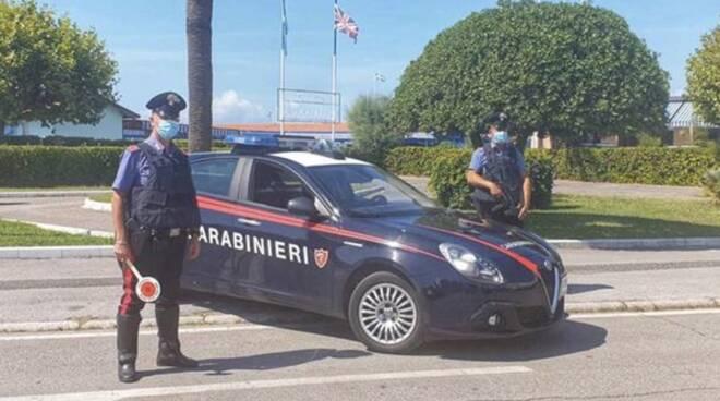 Carabinieri a Marina di Carrara