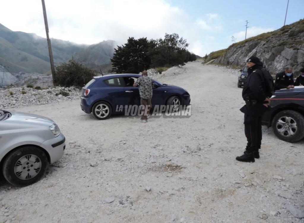 I carabinieri intervenuti nei pressi della cava del rave party