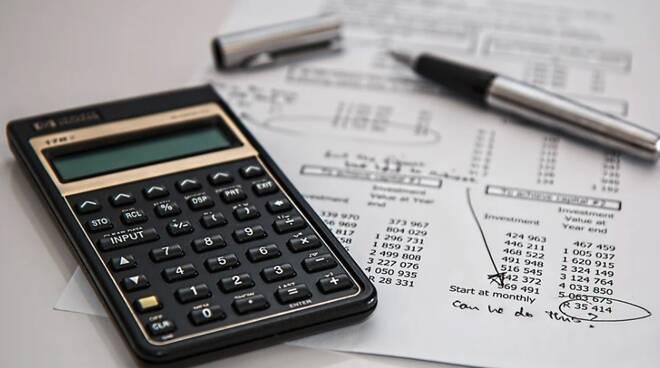 Calcolatrice, tasse, conti, bilancio, contabilità