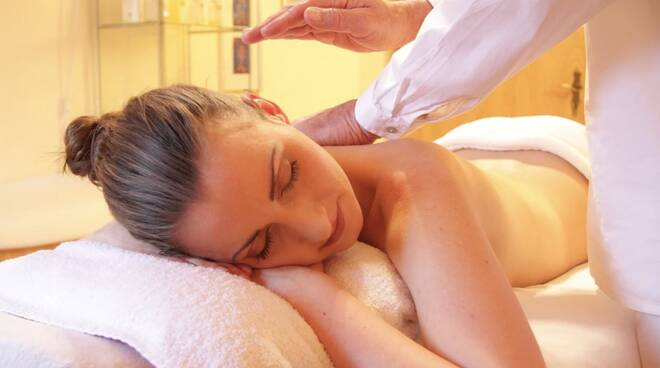centro estetico, estetista, massaggio, massaggiatore