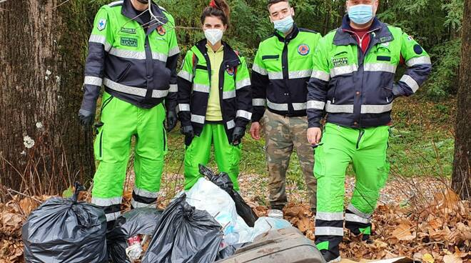 I volontari per la pulizia dei fiumi