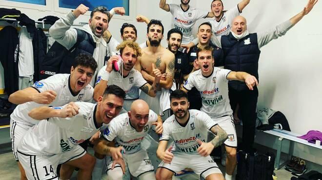 Selfie vittoria del Città di Massa dopo la sfida con i Saints Pagnano (5-6)