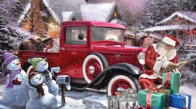 Babbo Natale e l'auto in panne