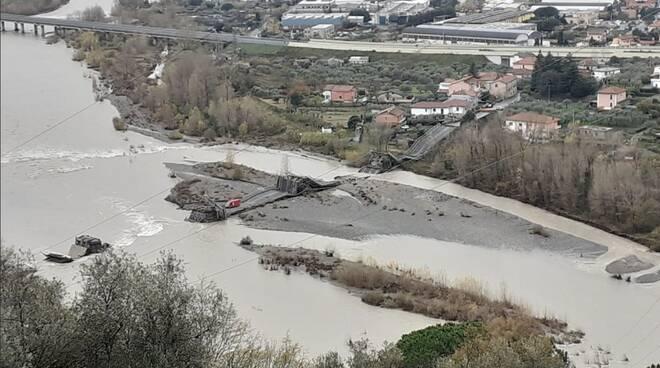 Il ponte crollato di Albiano Magra