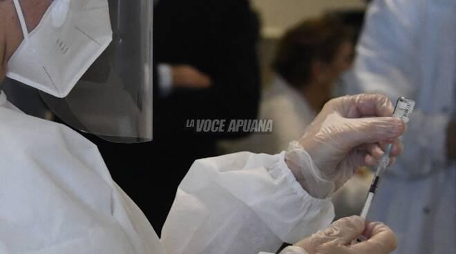 Prime vaccinazioni anti-covid al Noa