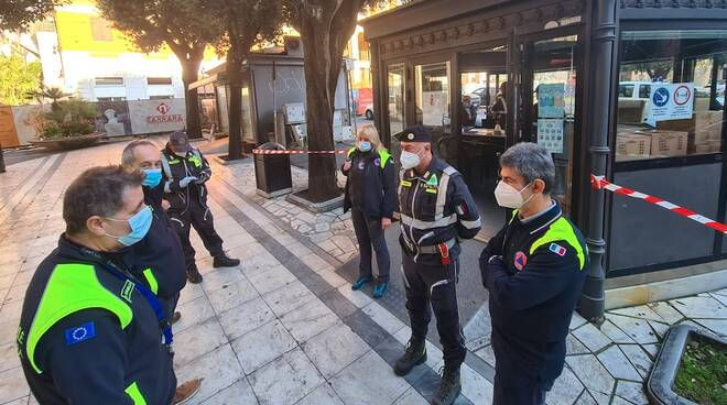 Protezione civile Carrara col sindaco Francesco De Pasquale