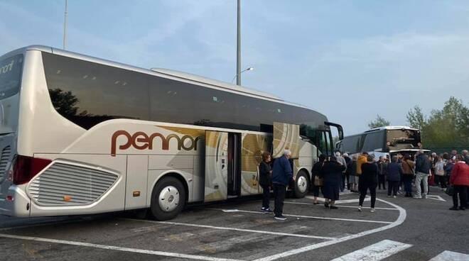 Pullman pennoni bus gran turismo gita viaggio