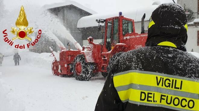 Vigili del fuoco neve, abetone