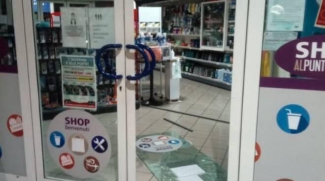 Furti furto spaccata ladri