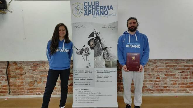 Gabriele Favaretto e Isabella Panzera, istruttori per il Club Scherma Apuano