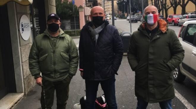 Rino Lavezzini (al centro) entra in Fratelli d'Italia