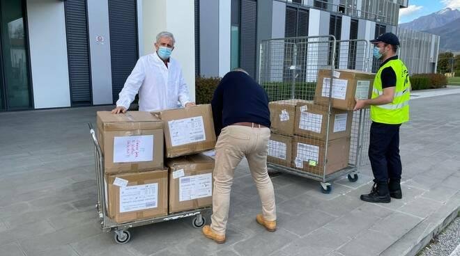 La consegna dei dispositivi di protezione individuali donati dalla Fondazione Marmo al Noa