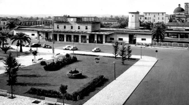 rifacimento piazza della stazione