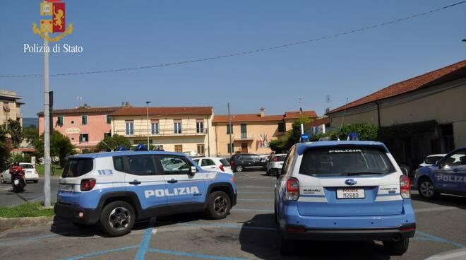 polizia stazione sarzana
