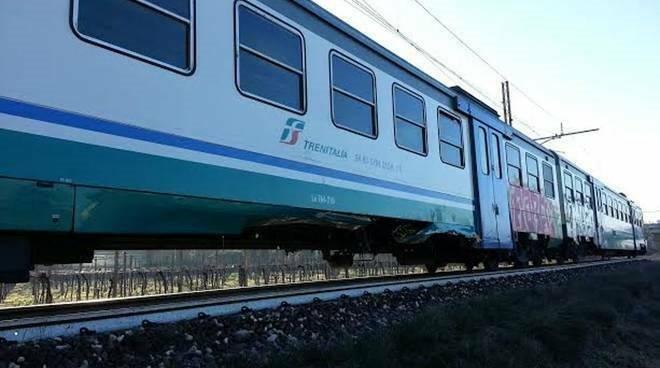 treno ferrovia binari