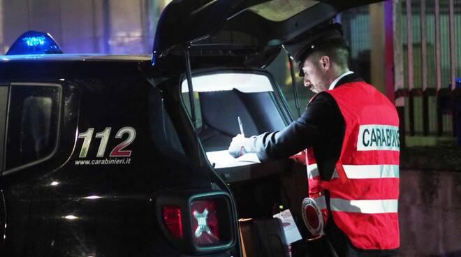 carabinieri notte multa sanzione posto di blocco ammenda