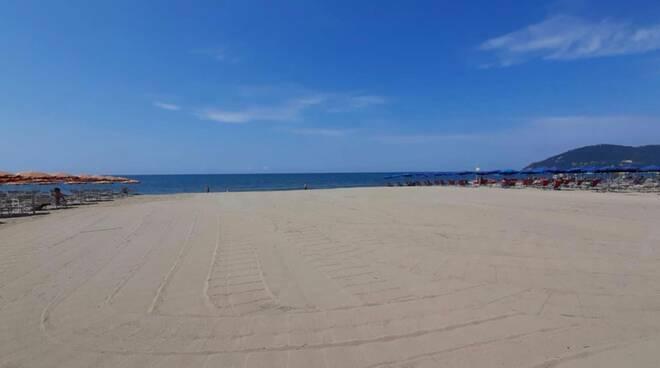 bagno marino spiaggia libera