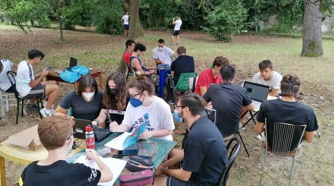 I ragazzi del Meucci al Parco della Rinchiostra per la loro libreria solidale