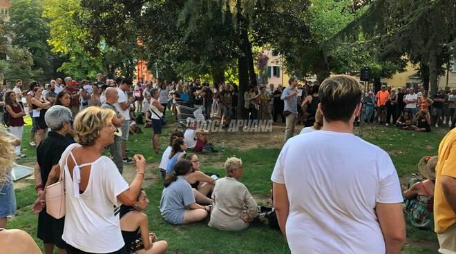 manifestazione protesta green pass carrara