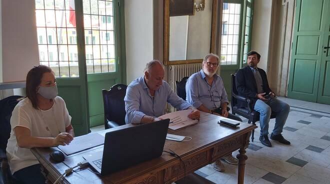 Conferenza stampa edilizia scolastica dell'8/9/2021 a Palazzo Ducale