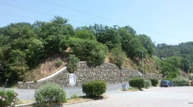 podenzana montedivalli muro