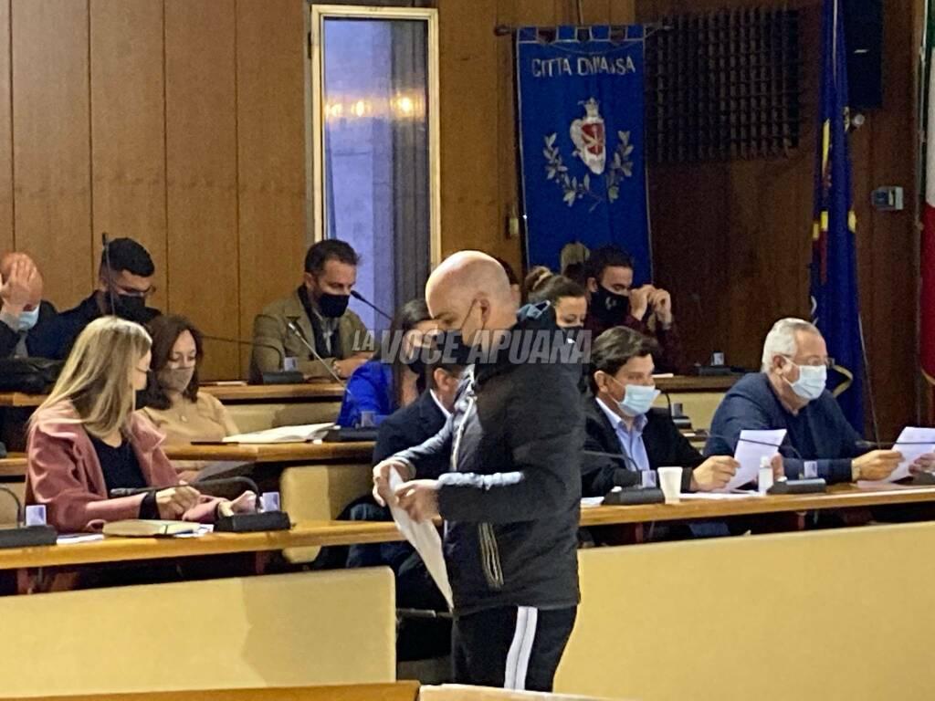 Gli operai della Sanac in consiglio comunale a Massa 25 ottobre 2021